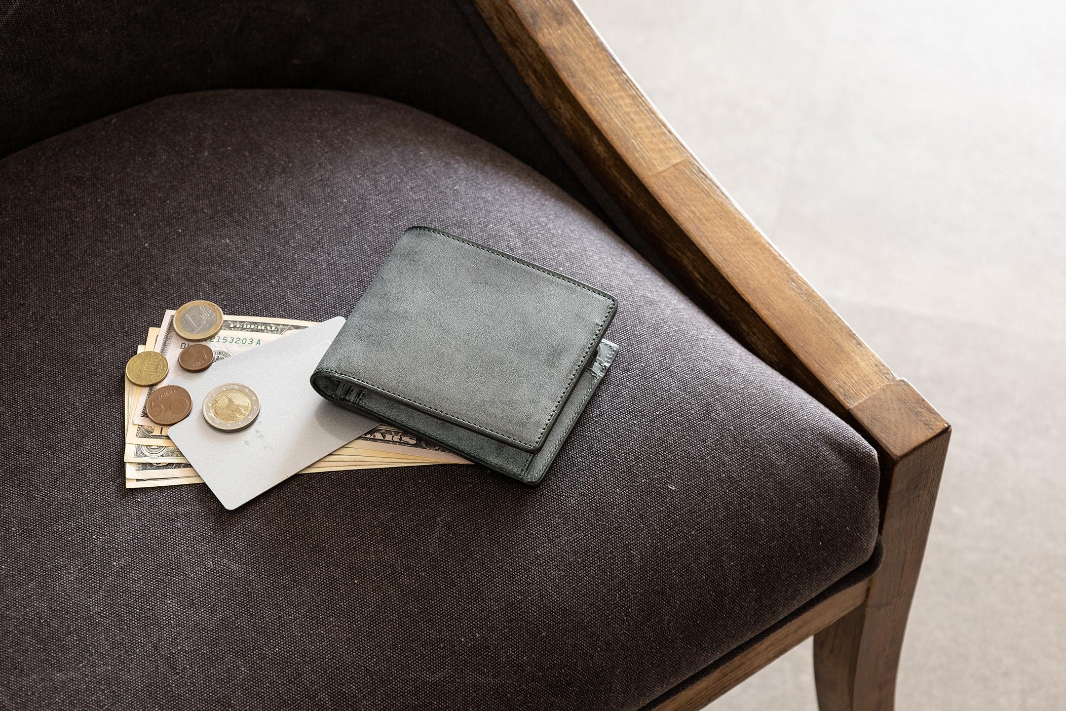 ロロマ 二つ折り財布 by ASUMEDERU(アスメデル)