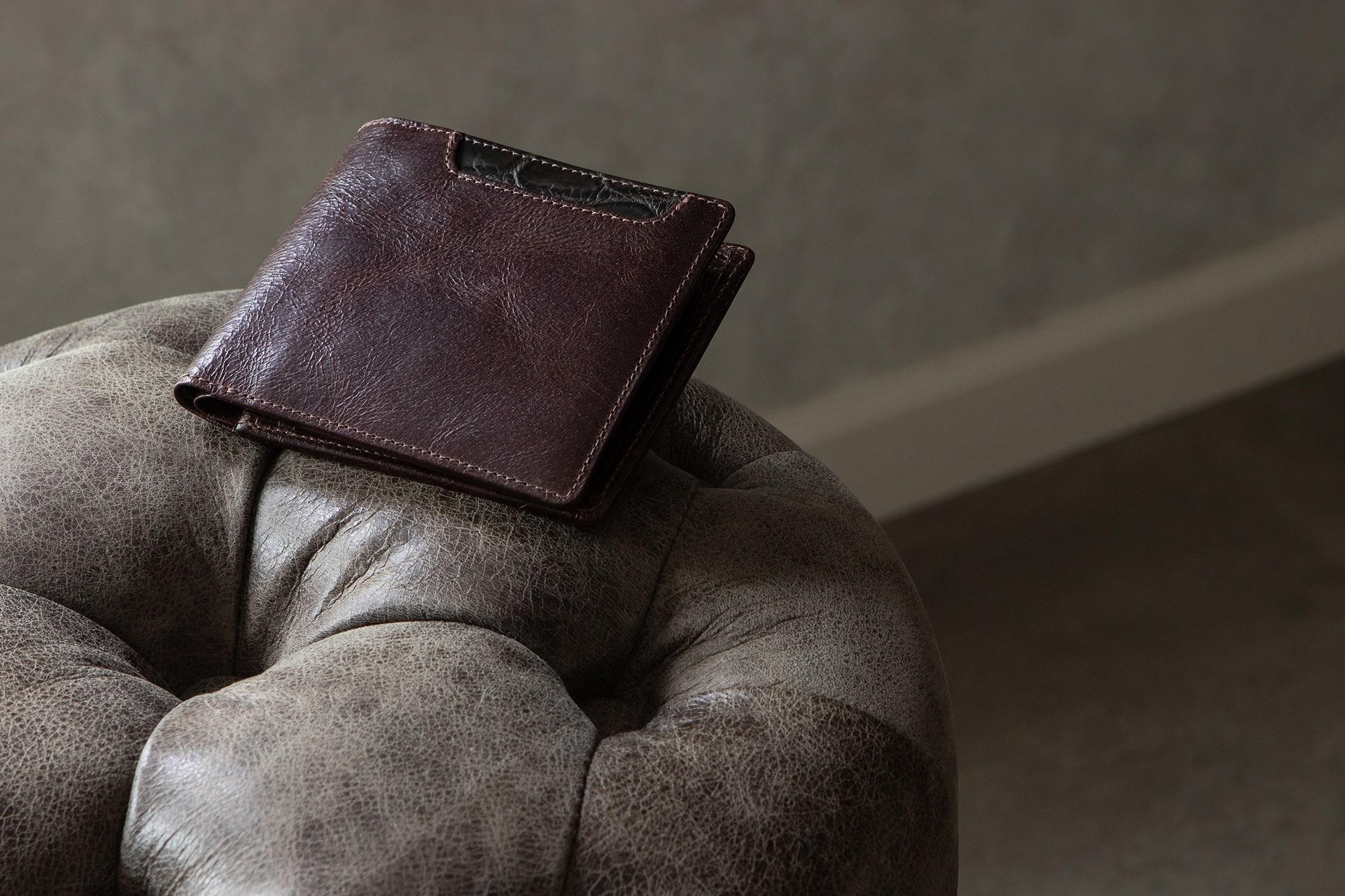ラセッテー鞣しピッグスキン × クロコダイル 二つ折り財布 by Baggart(バガート)