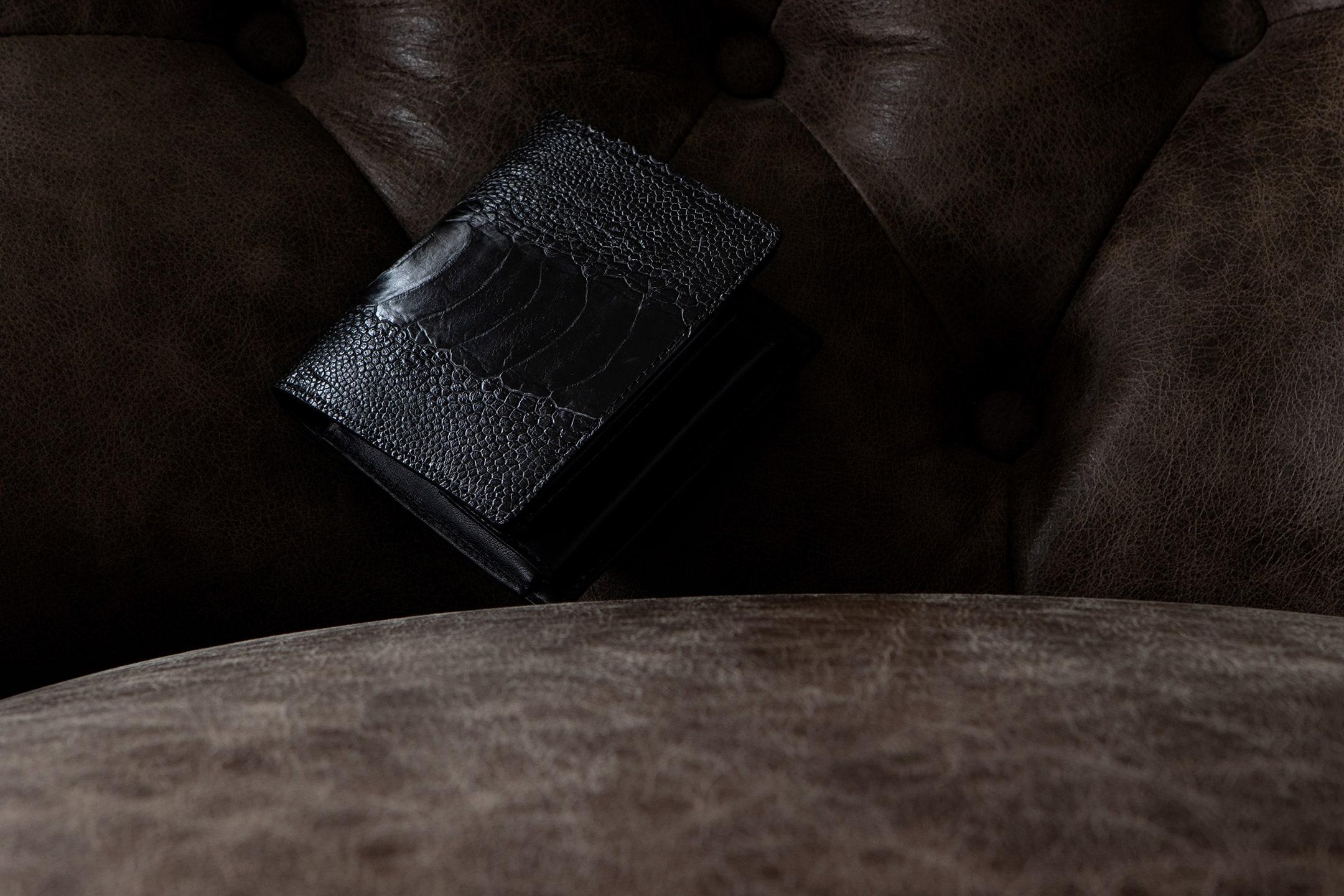 オーストリッチレッグ 二つ折り財布 by Baggart(バガート)