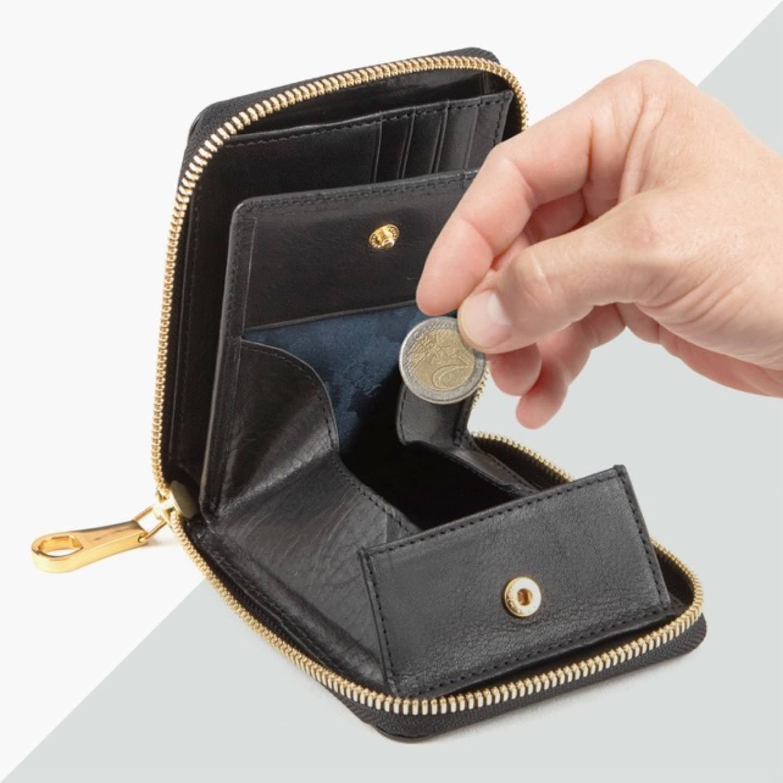 藍染めクロコダイル ラウンドジップ二つ折り財布 by CIMABUE(チマブエ)