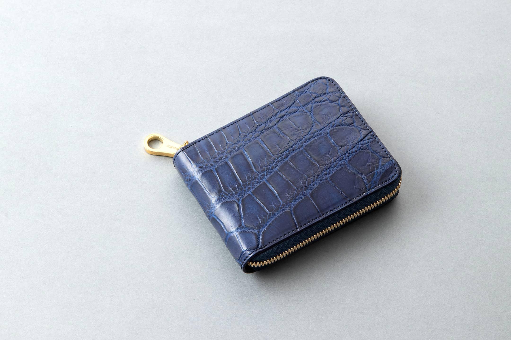藍染めクロコダイル ラウンドジップ二つ折財布 by CIMABUE(チマブエ)