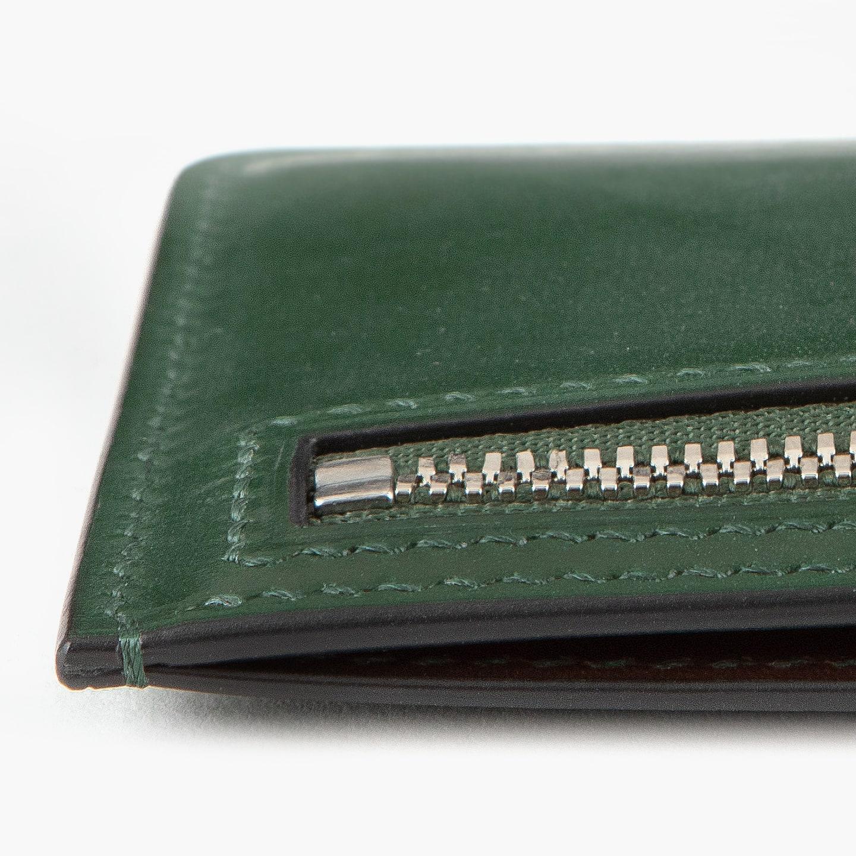 ステッチ・コバ共に最高級品にふさわしい仕上がりを実現したライドル × ブリランテ コンパクトマルチ財布
