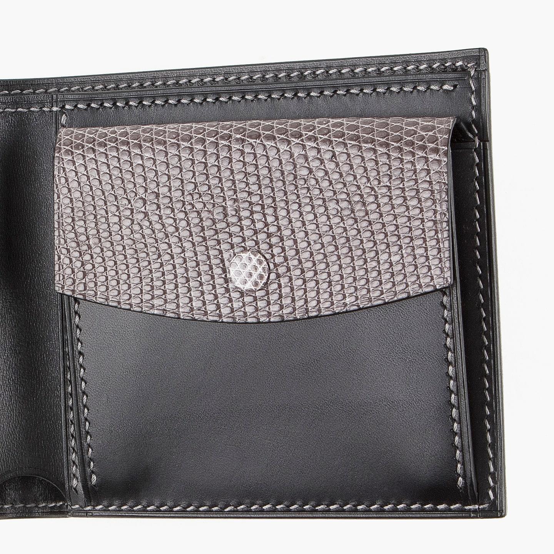 リザードを使用した二つ折り財布