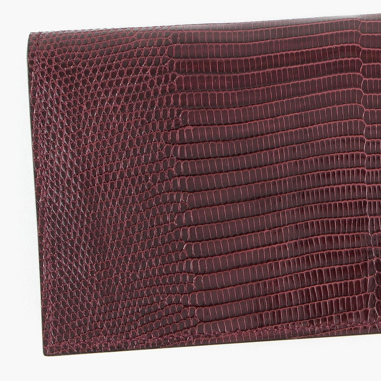リザードを贅沢に使用した薄型長財布