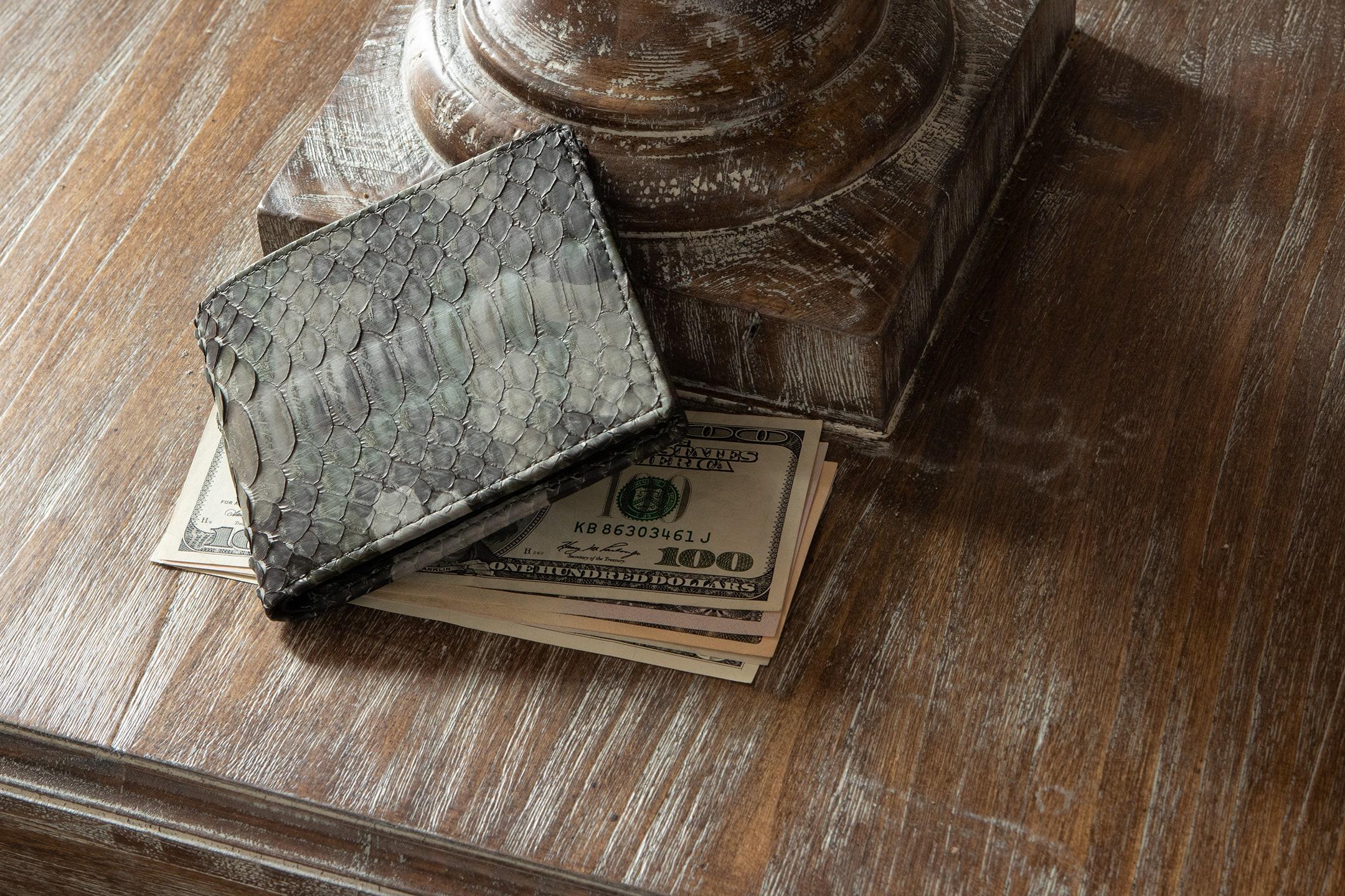 パイソン 二つ折り財布 by LE'SAC(レザック)