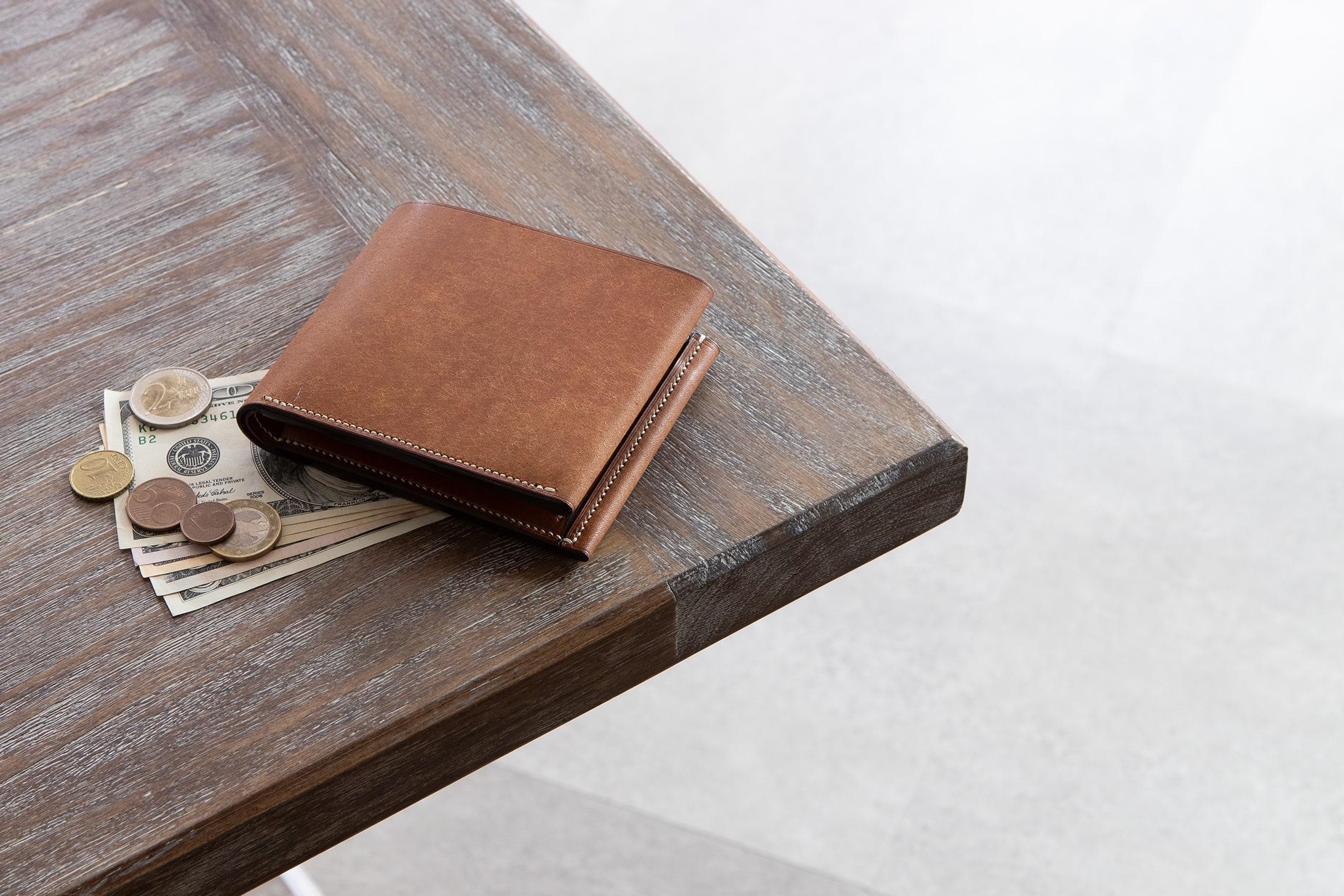 プエブロ&リスシオ 二つ折り財布 by LUTECE(リュテス)