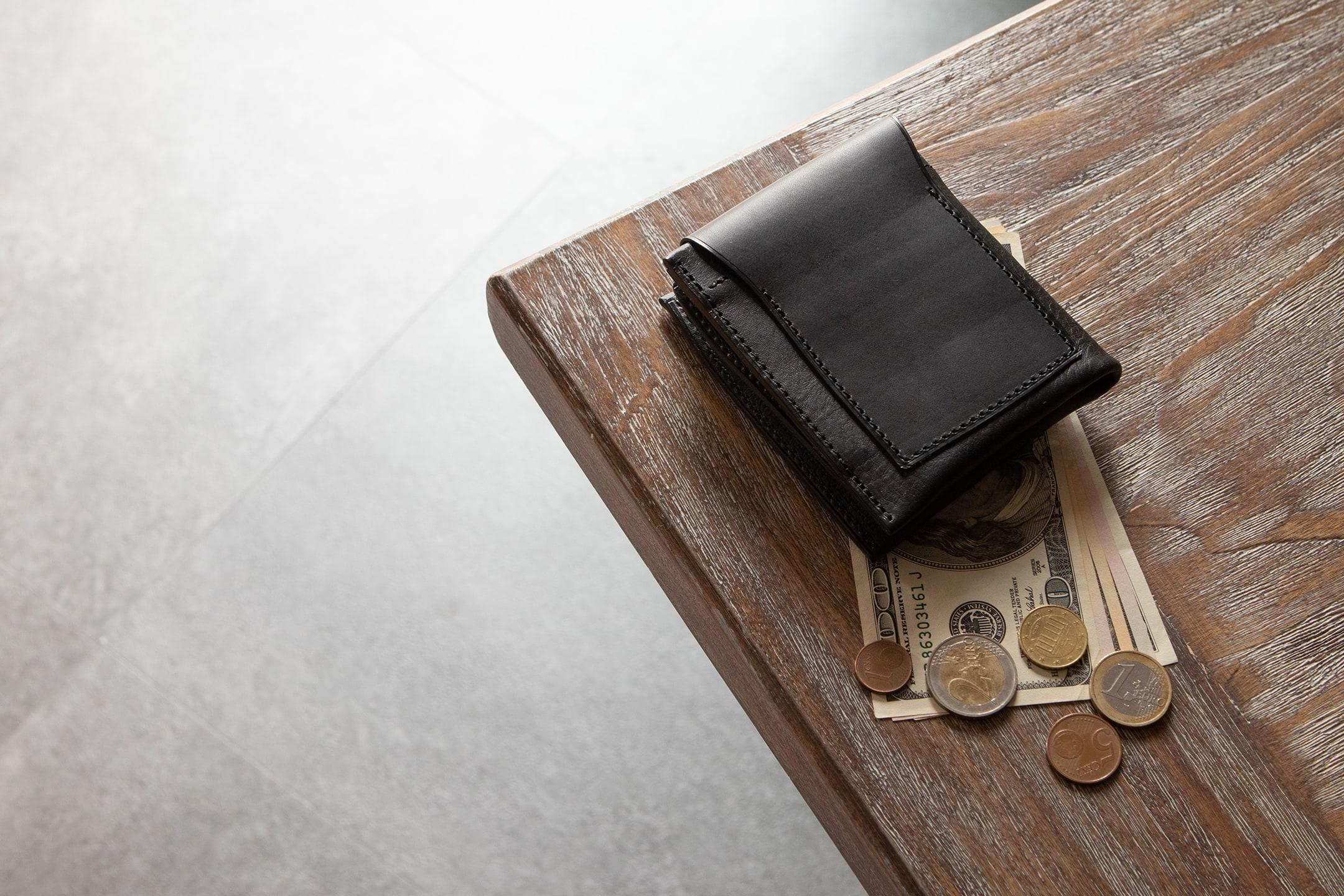 ブッテーロ & ミネルバボックス 二つ折り財布 by m.ripple(エムリップル)