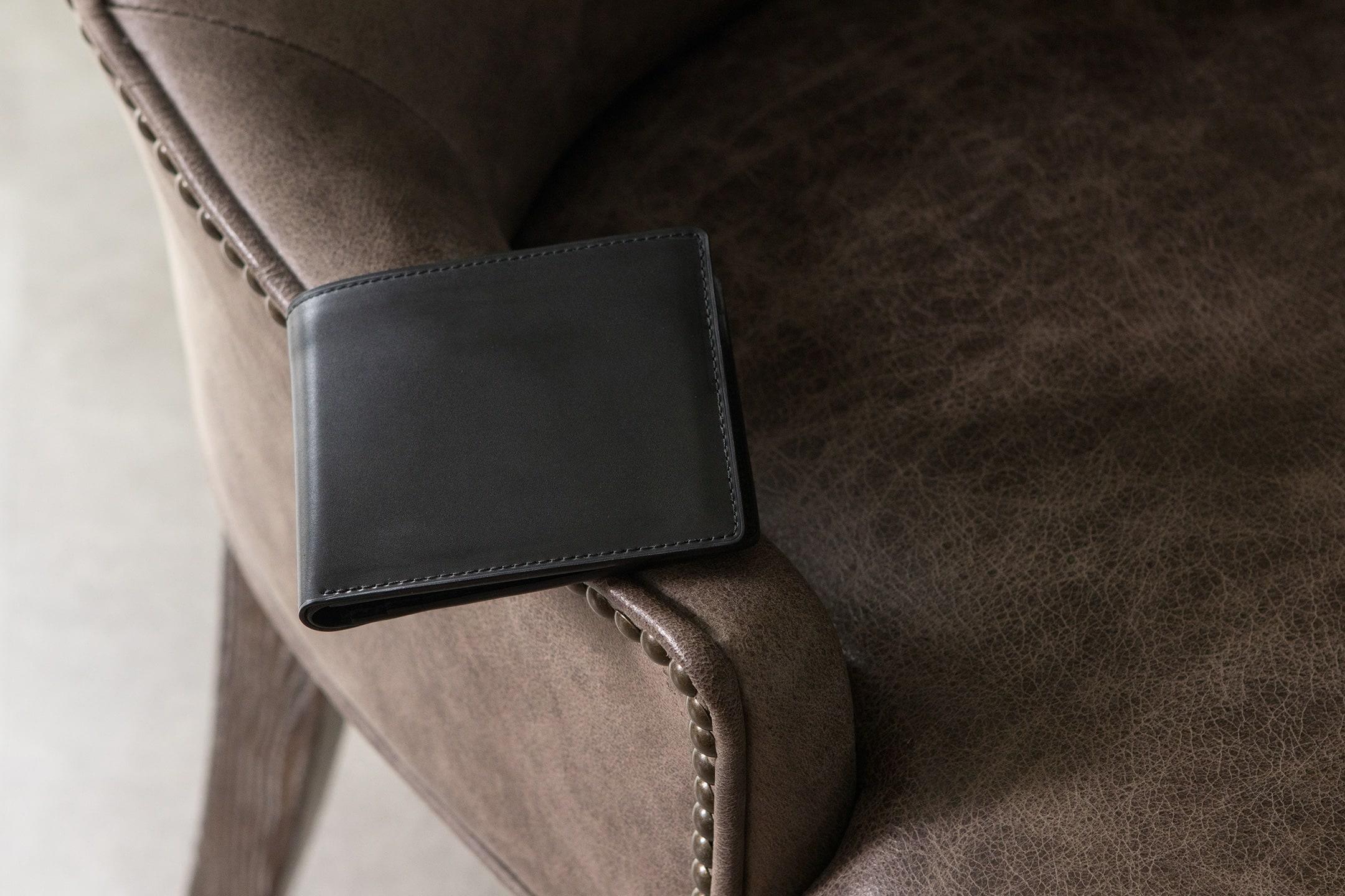 ホーウィン シェルコードバン 二つ折り財布 by 二宮五郎商店