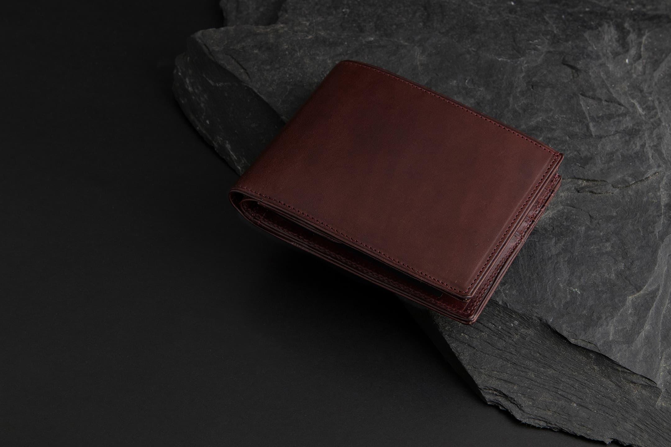 リスシオ 二つ折り財布 by 二宮五郎商店