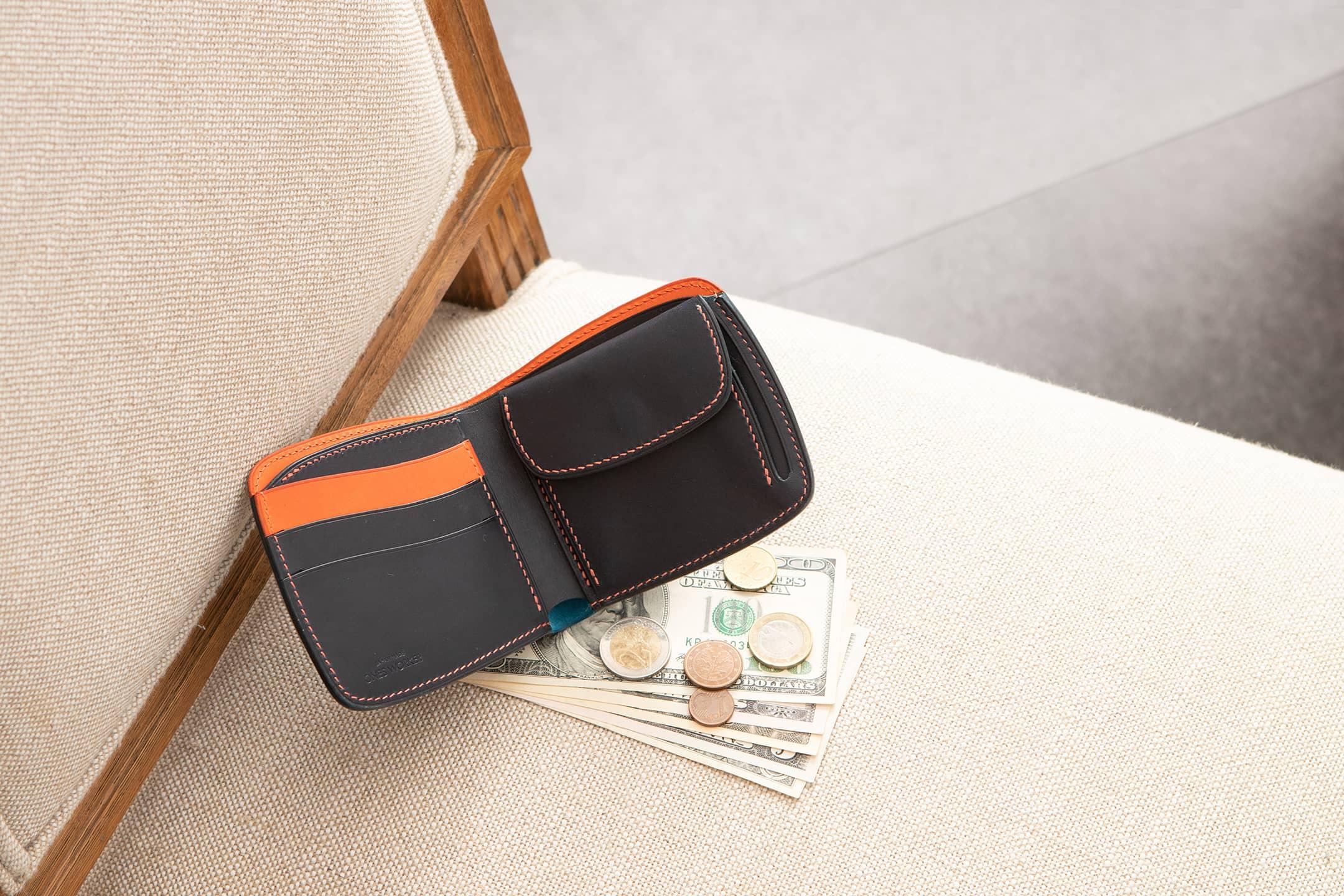 オイルコードバン & ブッテーロ シェル型二つ折り財布(小銭入れ付き) by ONE WORKER(ワンズワーカー)