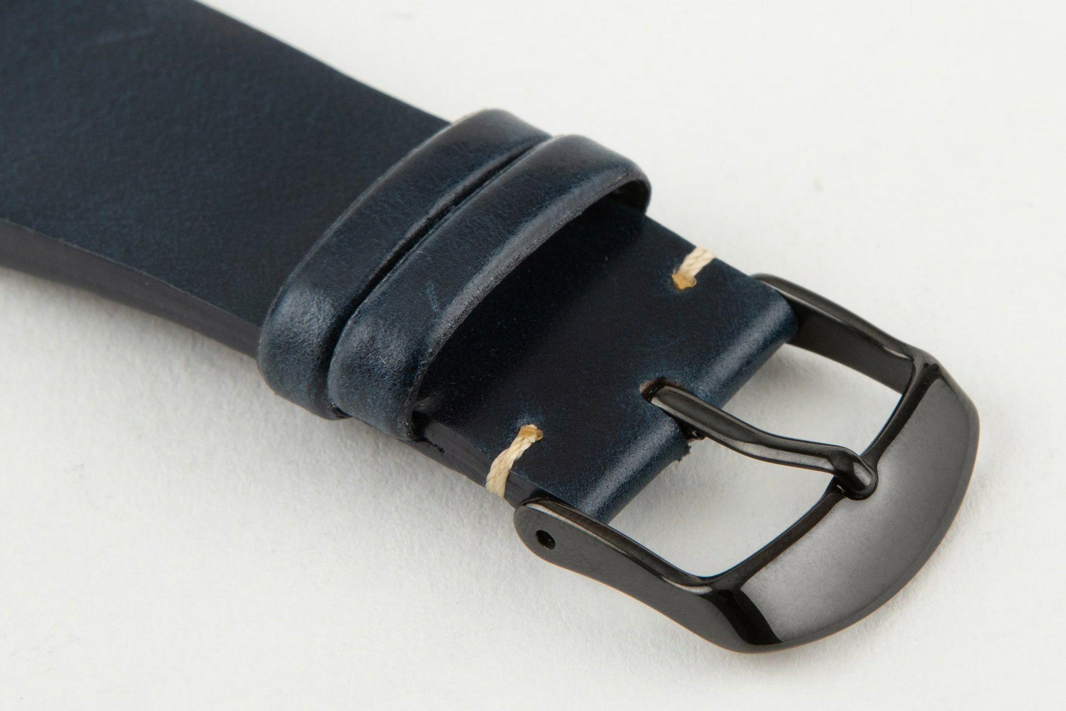 表面:Navy / エンドピース&尾錠:Black