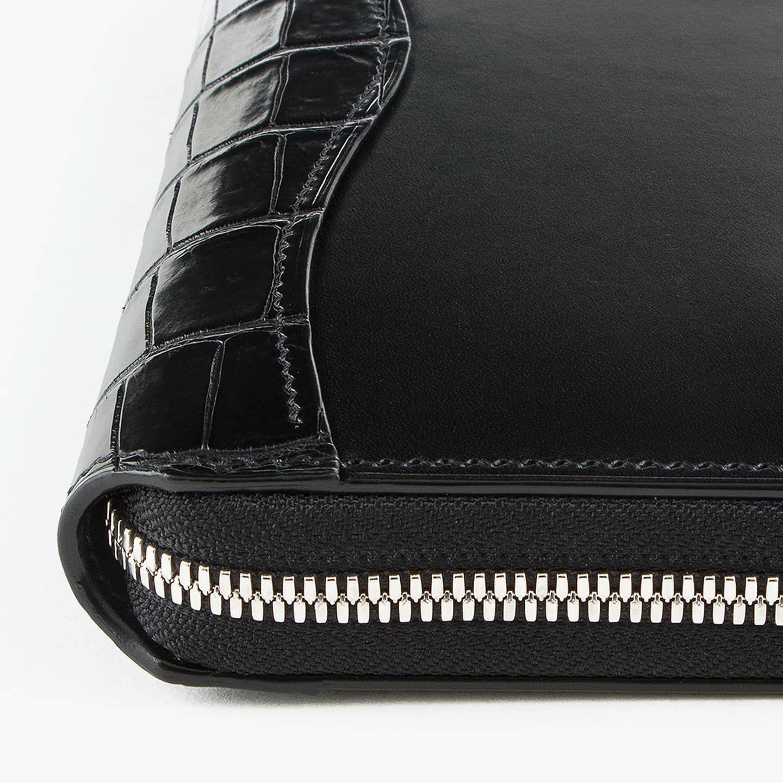 外装(ブリランテ):Black / 外装装飾・引き手(クロコダイル):Black / ファスナー:Silver